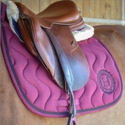 Tapis de selle cheval Versailles avec logo - Harcour